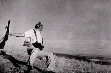 Robert Capa's famous 'falling man' image 5 Sept 1936