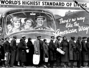 Lining up for food and water, Louisville, Kentucky, 1937. By Margaret Bourke-White/Time & Life Pictures/Getty Images.