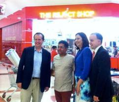 Bill Shorten Reject Shop Pic
