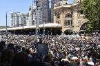 flinders st crowd 1